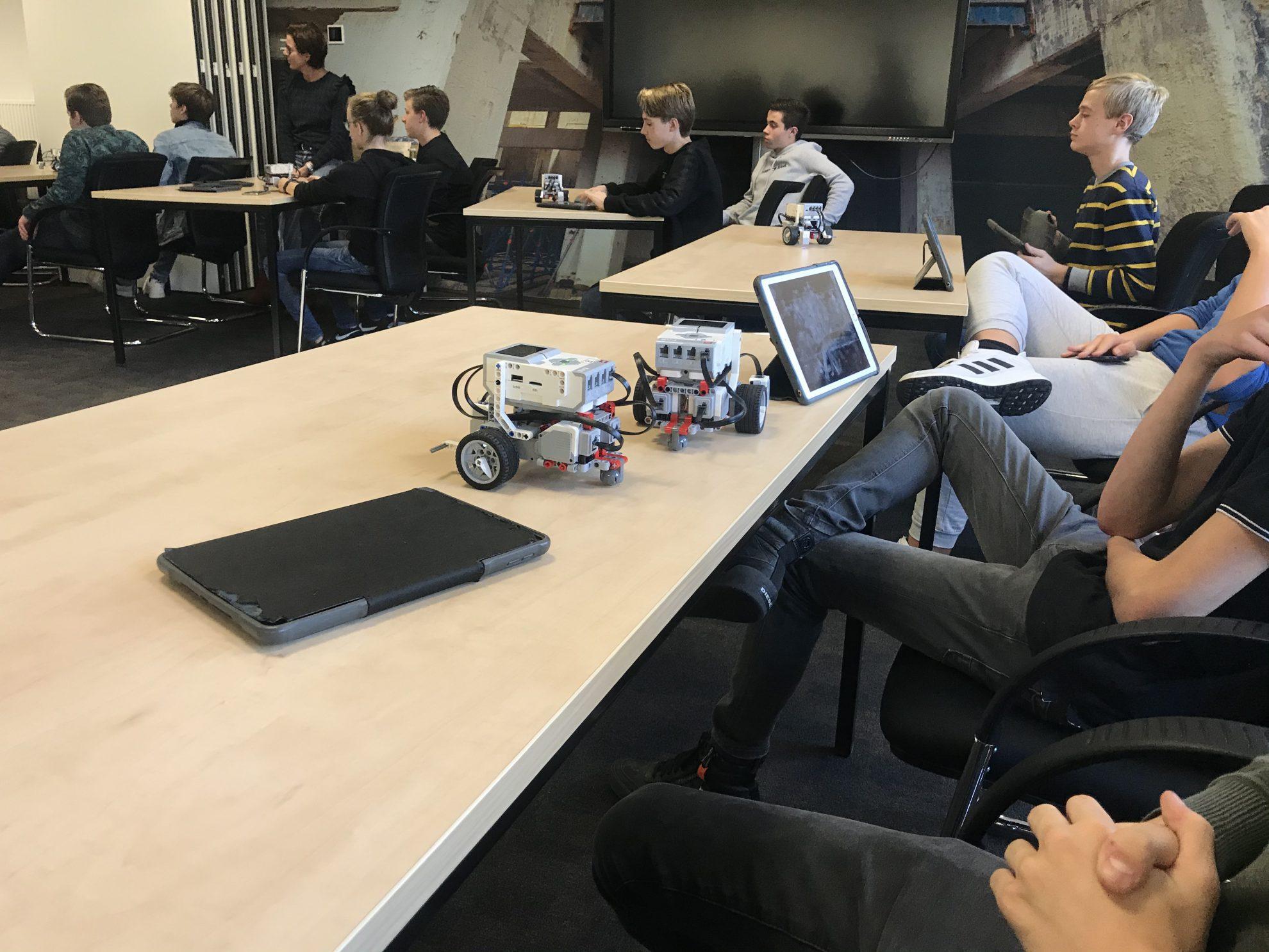 Succesvolle LEGO Mindstorms workshops op IPKW