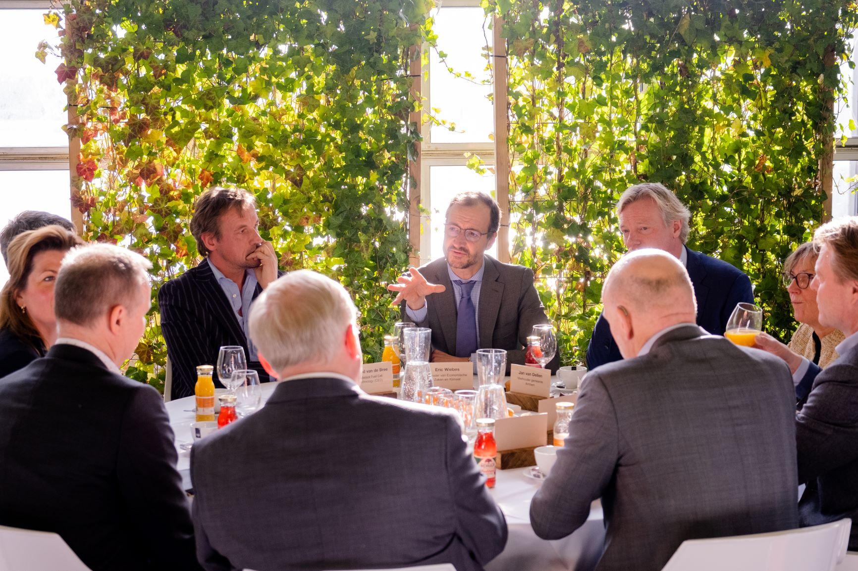 Podcast met minister Wiebes over waterstof