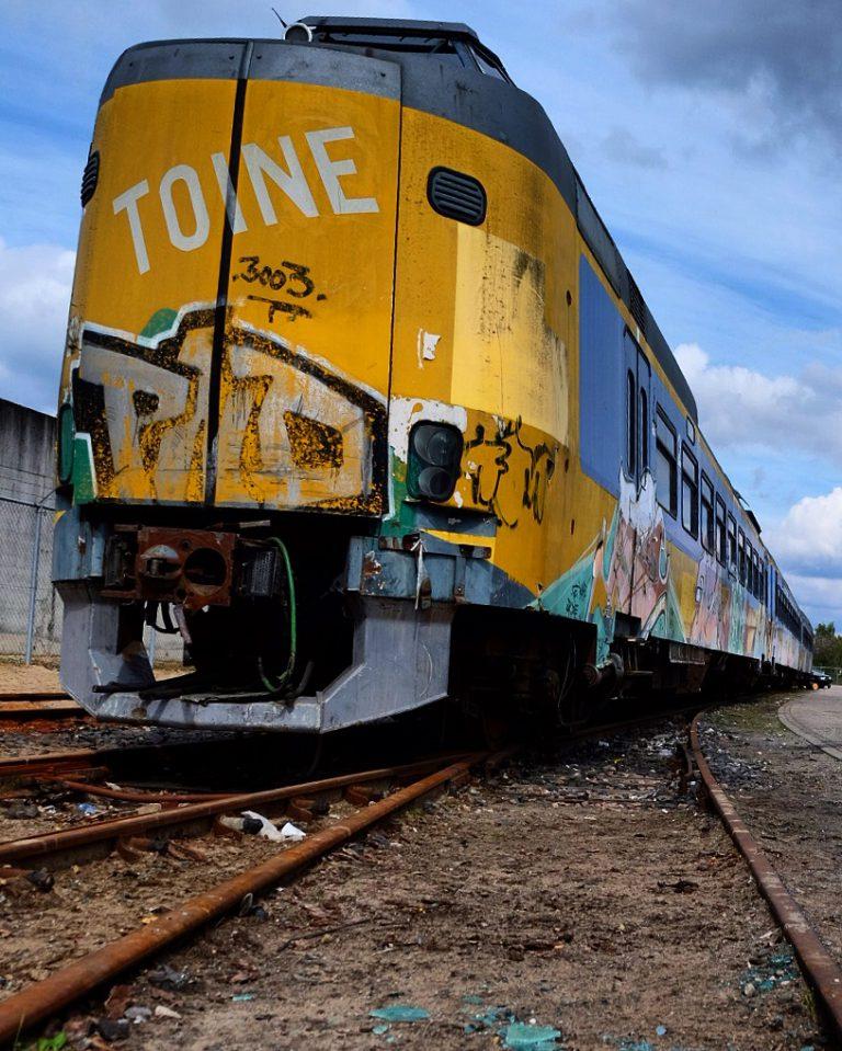 Het verhaal achter de trein die al jaren 'verstopt' staat op IPKW