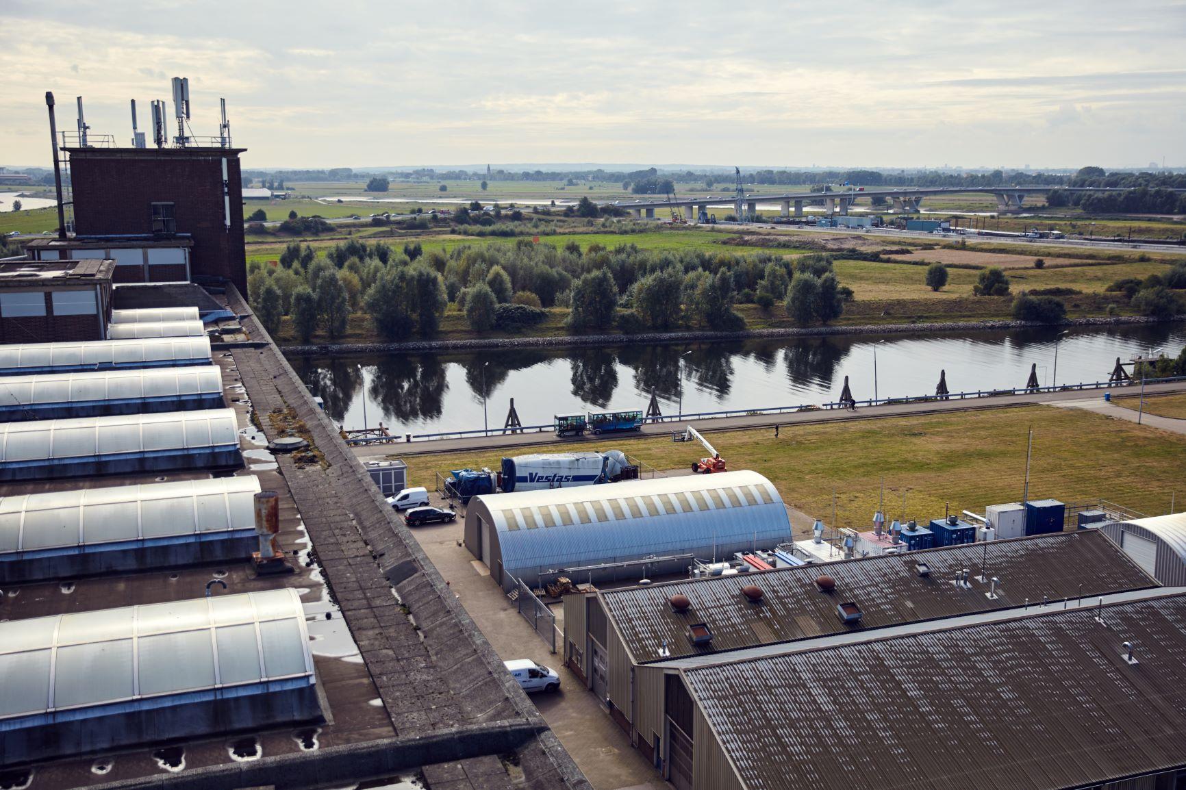 CleanMobilEnergy: consortium slaat zonnestroom op voor Arnhemse laadpalen